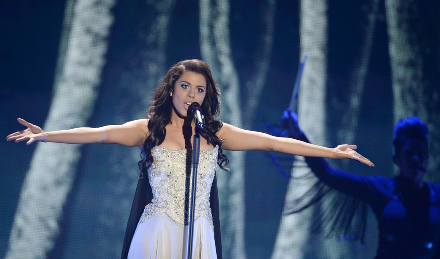 epa04761119 Singer Melanie Rene representing Switzerland performs during the Second Semi-Final of the 60th annual Eurovision Song Contest (ESC) at the Wiener Stadthalle in Vienna, Austria, 21 May 2015. The event's grand final takes place on 23 May.  EPA/JULIAN STRATENSCHULTE