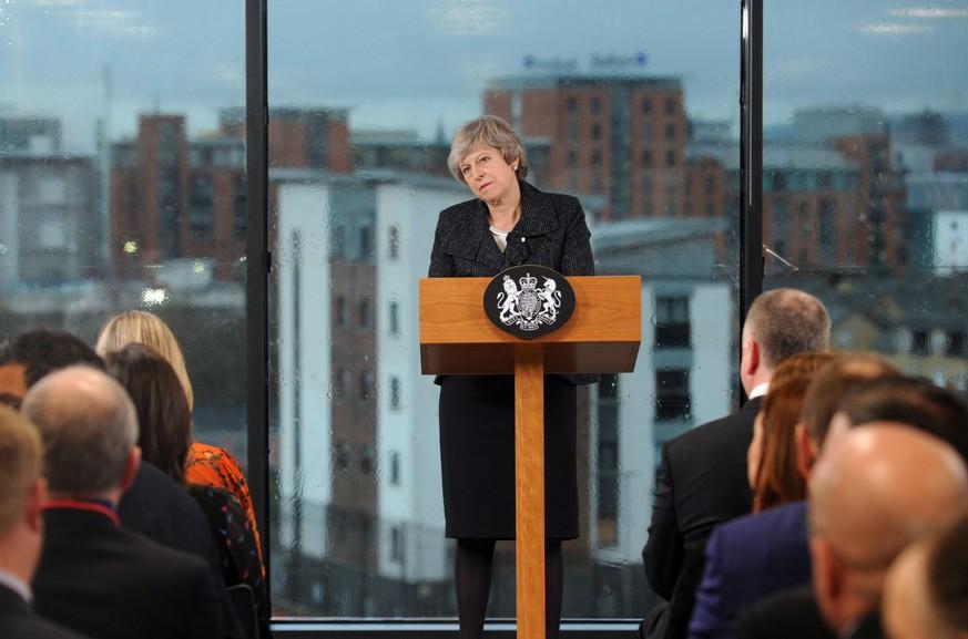 Brexit: May reist nach Brüssel - Merkel hofft