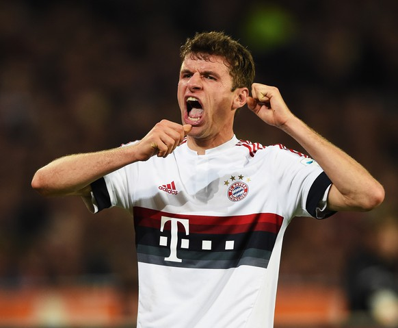 HANOVER, GERMANY - DECEMBER 19:  Thomas Müller of Muenchen reacts during the Bundesliga match between Hannover 96 and FC Bayern Muenchen at HDI-Arena on December 19, 2015 in Hanover, Germany.  (Photo by Stuart Franklin/Bongarts/Getty Images)