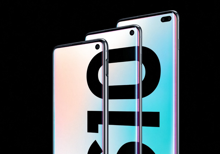 epa07384287 A handout photo made available by Samsung Electronics Co. shows a trio of its new Galaxy S10 smartphones unveiled during an Unpacked event in San Francisco, California, USA, 20 February 2019.  EPA/SAMSUNG ELECTRONICS CO / HANDOUT SOUTH KOREA OUT HANDOUT EDITORIAL USE ONLY/NO SALES