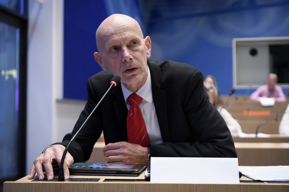 Daniel Koch, head of the Communicable Diseases Division at the Federal Office of Public Health, brief the media about the latest measures to fight the Covid-19 Coronavirus pandemic, in Bern, Switzerland, Monday, March 16, 2020.(KEYSTONE/Anthony Anex)