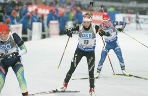 epa04653931 Elisa Gasparin of Switzerland in action during the Women 10 Km Pursuit at the IBU World Cup Biathlon in Kontiolahti, Finland, 08 March 2015.  EPA/MAURI RATILAINEN FINLAND OUT
