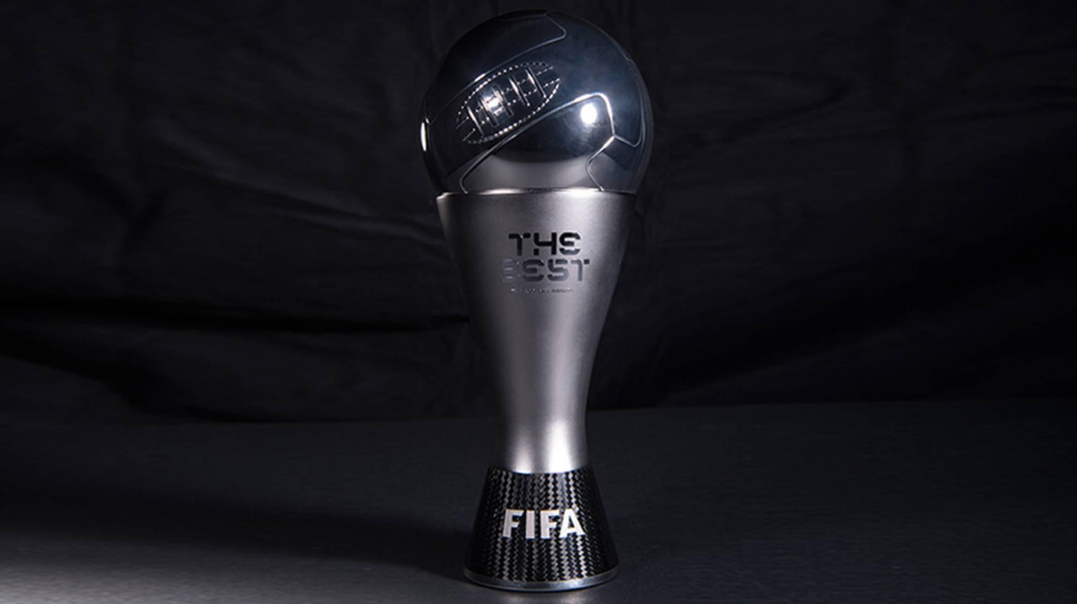 Fussball International FIFA The Best Football Awards 2016 06.01.2017 Neue Trophaee, Trophy PUBLICATIONxNOTxINxAUTxSUIxITA