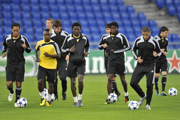 The players of Moldova's soccer team FC Sheriff Tiraspol during a training session in the St. Jakob-Park stadium in Basel, Switzerland, Tuesday, August 17, 2010. Moldova's FC Sheriff Tiraspol will play Switzerland's FC Basel in the Champions League play-offs first leg match on Wednesday, August 18, 2010. (KEYSTONE/Georgios Kefalas)