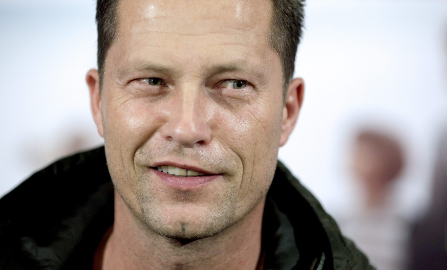 epa04532958 German actor Til Schweiger poses prior to the Austrian premiere of 'Honig im Kopf' (Honey in the Head) at a cinema in Vienna, Austria, 17 December 2014.  EPA/GEORG HOCHMUTH
