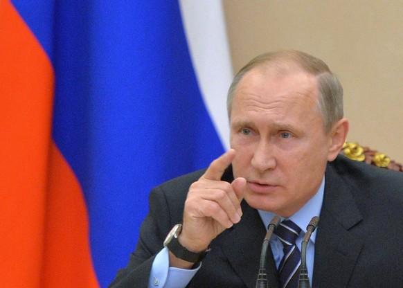 epa05622489 Russian President Vladimir Putin chairs a Security Council meeting at the Kremlin in Moscow, Russia, 08 November 2016.  EPA/ALEXEI DRUZHININ / SPUTNIK / KREMLIN POOL MANDATORY CREDIT