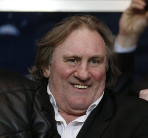 epa04151536 French actor Gerard Depardieu attends the UEFA Champions League quarter final first leg soccer match between Paris Saint Germain and Chelsea FC at the Parc des Princes stadium, in Paris, France, 02 April 2014.  EPA/YOAN VALAT
