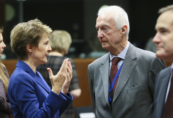 epa05636414 Swiss Justice Minister Simonetta Sommaruga (L) and EU counter-terrorism coordinator Gilles de Kerchove (C), at the start of an Interior and home affairs ministers council in Brussels, Belgium, 18 November 2016. Ministers will exchange  on key aspects of the forthcoming Commission proposal that would set up EU Travel Information and Authorisation System (ETIAS) and information exchange and improving interoperability in the area of justice and home affairs.  EPA/OLIVIER HOSLET