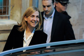 PALMA DE MALLORCA, SPAIN - FEBRUARY 08:  Princess Cristina of Spain leaves the Palma de Mallorca Couthouse after giving evidence during the 'Noos Trial' on February 8, 2014 in Palma de Mallorca, Spain. Princess Cristina of Spain will gives evidence as part of the trial against her husband Inaki Urdangarin over allegations that he misused millions of euros of public funds which was allocated to organise sports and tourism events, during his time as chairman of a non-profit foundation from 2004 to 2006.  (Photo by David Ramos/Getty Images)