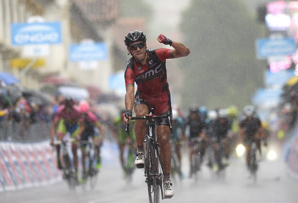 BMC Racing rider Philippe Gilbert of Belgium celebrates after winning the 190 Km (118 miles) twelfth stage of the 98th Giro d'Italia (Tour of Italy) cycling race from Imola to Vicenza, Italy, May 21, 2015. REUTERS/LaPresse/Fabio Ferrari