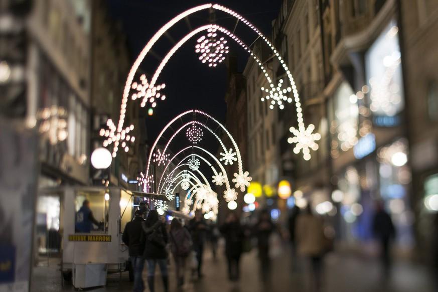 Wann Weihnachtsbeleuchtung.Schön Oder Blöd Jetzt Brennt Die Weihnachtsbeleuchtung Auch Am