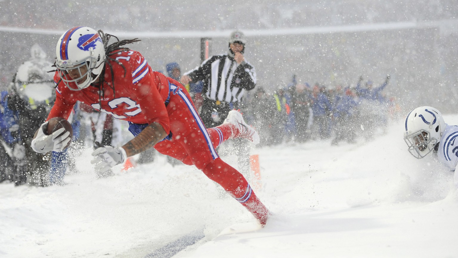 Buffalo Bills wide receiver Kelvin Benjamin scores a touchdown during the first half of an NFL football game against the Indianapolis Colts, Sunday, Dec. 10, 2017, in Orchard Park, N.Y. (AP Photo/Adrian Kraus)