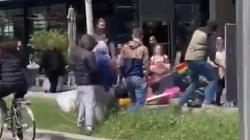 Schwarze Kapuze lesben haarige Muschi-Sex vedios