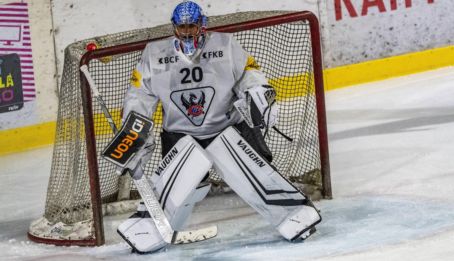 Switzerland: The Coupe des Bains hockey match Yverdon-les-Bains-Switzerland, 08/25/2020: Reto Berra goalkeeper is in action of Hc Fribourg-Gotteron during the Coupe des Bains with Lausanne Hc and Hc Fribourg-Gotteron Yverdon-les-Bains Switzerland Copyright: EricxDubost