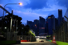 SINGAPORE - SEPTEMBER 19:  Fernando Alonso of Spain and Ferrari drives during practice ahead of the Singapore Formula One Grand Prix at Marina Bay Street Circuit on September 19, 2014 in Singapore, Singapore.  (Photo by Clive Mason/Getty Images)
