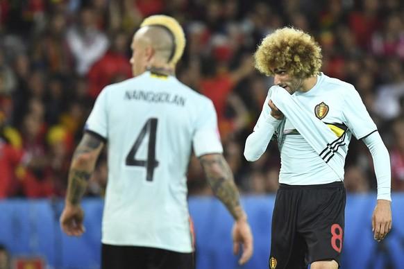 01.07.2016; Lille; Fussball Euro 2016 - Viertelfinal - Wales - Belgien;  Enttaeuschung bei Radja Nainggolan (BEL) und  Marouane Fellaini (BEL)  (TimGroothuis/Witters/freshfocus)