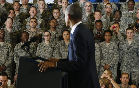 epa04404310 US President Barack Obama addresses the media following briefings with US Central Command officials on the Islamic State (IS) militant group during a visit to MacDill Air Force Base in Tampa, Florida, USA, 17 September 2014.  EPA/BRIAN BLANCO