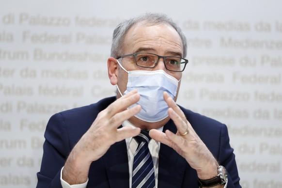 Bundespraesident Guy Parmelin spricht waehrend einer Medienkonferenz des Bundesrates zur aktuellen Lage im Zusammenhang mit dem Coronavirus, am Mittwoch, 24. Februar 2021, in Bern. (KEYSTONE/Peter Klaunzer)