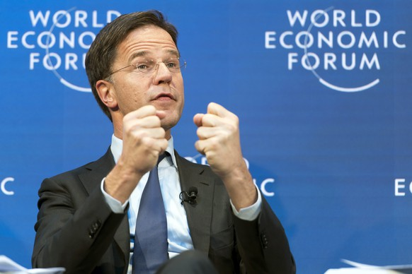 epa07316148 Prime Minister of the Netherlands Mark Rutte speaks at a panel session during the 49th Annual Meeting of the World Economic Forum, WEF, in Davos, Switzerland, 24 January 2019. The meeting brings together entrepreneurs, scientists, corporate and political leaders in Davos under the topic 'Globalization 4.0' from 22 to 25 January 2019.  EPA/LAURENT GILLIERON