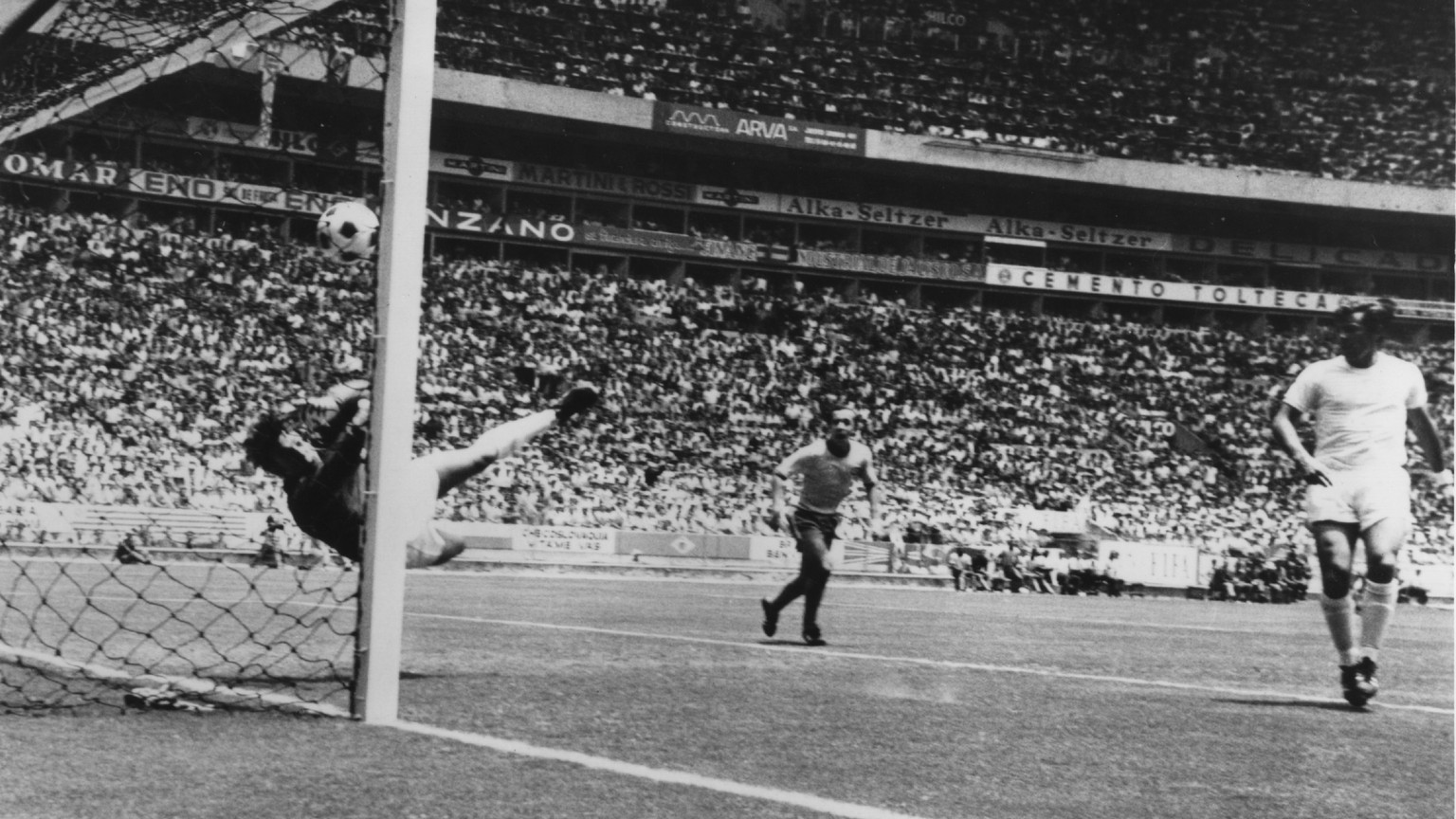 England goalkeeper Gordon Banks makes a remarkable save from a header by Pele of Brazil during their first round match in the World Cup at Guadalajara, Mexico, June 1970.  Brazil went on to win 1-0. Mandatory Credit: Allsport Hulton/Archive