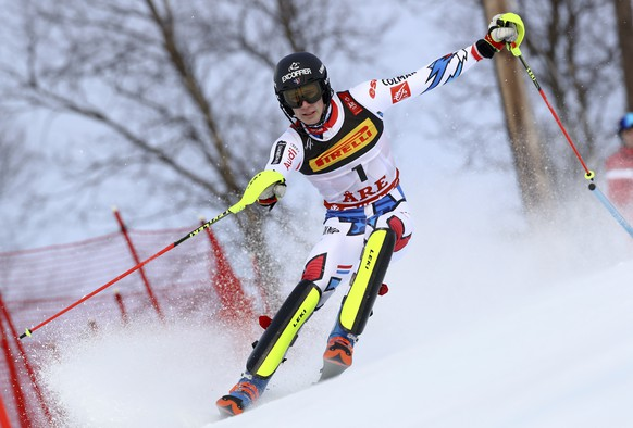 France's Clement Noel competes during the men's slalom, at the alpine ski World Championships in Are, Sweden, Sunday, Feb. 17, 2019. (AP Photo/Alessandro Trovati)