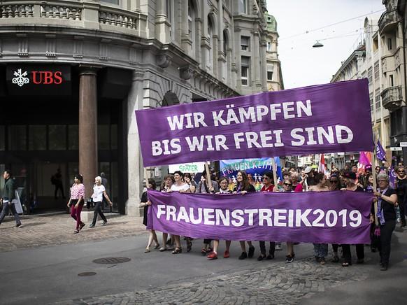 Klare Ansage der Teilnehmenden am Frauenstreik in St. Gallen.