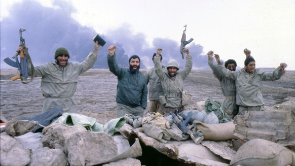 Iranian troops in occupation of the port city of Faw, on the west bank of the Shatti-al-Arab waterway, at the neck of the Gulf, on Feb. 15, 1986. (AP Photo)