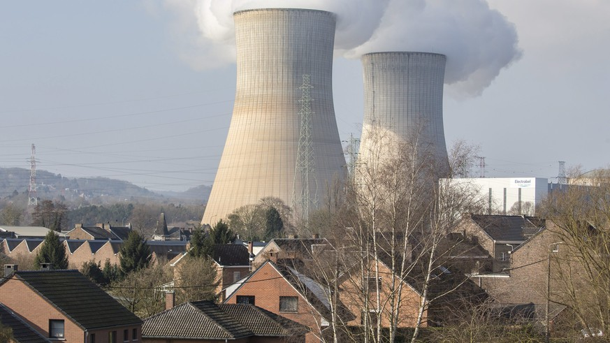 epa05225592 (FILE) A file picture dated 13 March 2016 shows the nuclear power plant in Tihange, Belgium. According to news reports on 22 March 2016 citing the police of Huy, the Tihange nuclear plant has been evacuated following terror attacks on the Brussels airport and two metro stations, killing dozens.  EPA/JULIEN WARNAND *** Local Caption *** 52645124