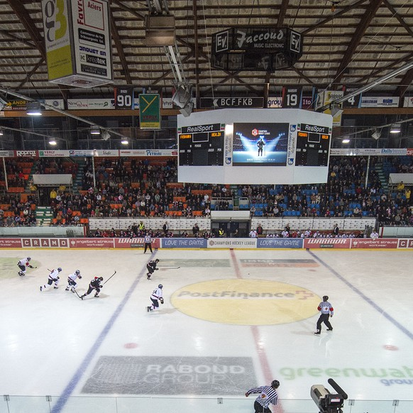 General view of the BFC Arena during the Champions Hockey League Group D preliminary round ice hockey game between Switzerland's HC Fribourg-Gotteron and Germany's  Eisbaeren Berlin at the BCF Arena stadium in Fribourg, Switzerland, Saturday, August 23, 2014. (KEYSTONE/Marcel Bieri)