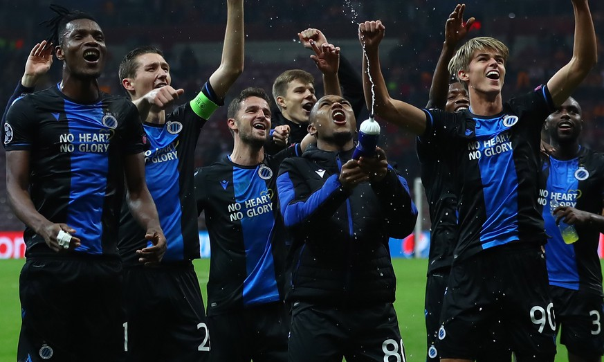 epa08027490 Club Brugge's players celebrate after the UEFA Champions League group A soccer match between Galatasaray and Club Brugge in Istanbul, Turkey, 26 November 2019.  EPA/SEDAT SUNA
