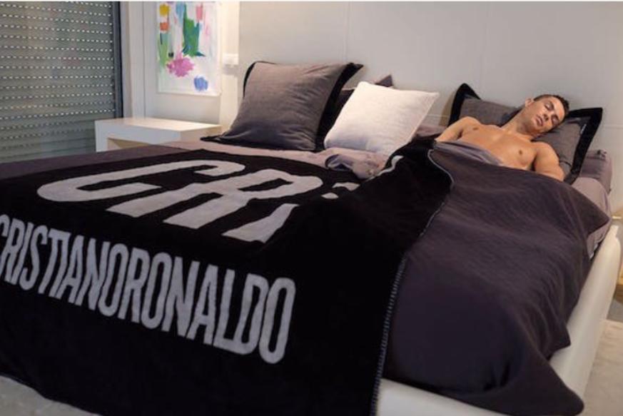 Fussball Der Schlaf Coach Verrat So Schlaft Cristiano
