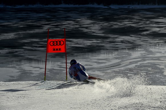 epa07372272 Alexis Pinturault of France in action during the first run of the men's Giant Slalom at the 2019 FIS Alpine Skiing World Championships in Are, Sweden, 15 February 2019.  EPA/CHRISTIAN BRUNA
