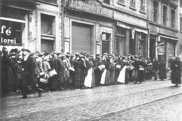 Erster Weltkrieg Steckrübenwinter Mangelernährung Hungerwinter Lebensmittelknapphiet Schlange (PD)