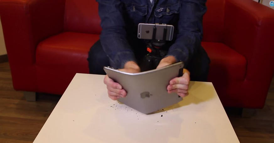Nach dem iPhone knickt auch das iPad Air 2 ein