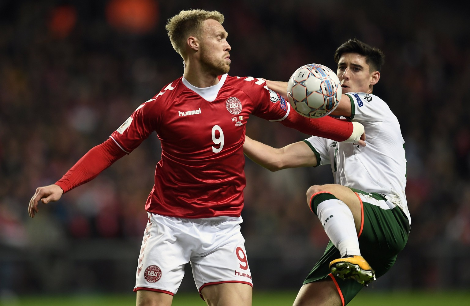 epa06323353 Nicolai Joergensen (L) of Denmarkin action  against Callum O'Dowda of Ireland during the FIFA World Cup 2018 play-off first leg soccer match between Denmark and Ireland in Copenhagen, Denmark, 11 November 2017.  EPA/LARS MOELLER  DENMARK OUT